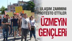 ÜNİVERSİTE ÖĞRENCİLERİ ULAŞIM ZAMMINI PROTESTO ETTİ